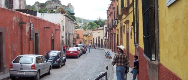 street-scene-san-miguel-de-allende-guerro-mexico