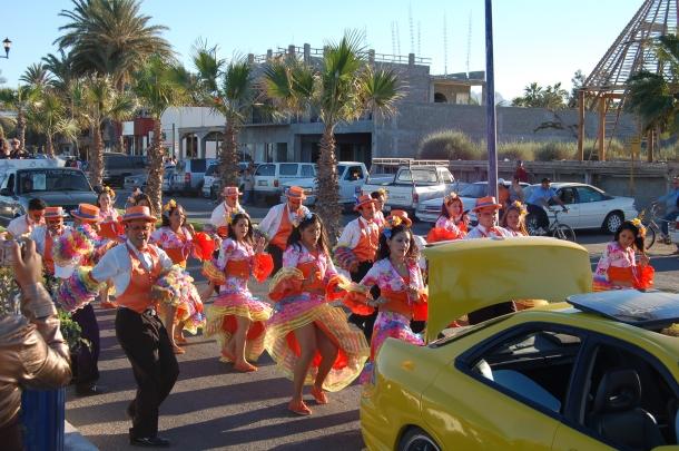 carnaval-parade-loreto-baja-sur-mexico