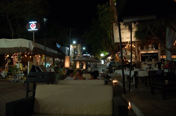La Quinta at Night, Playa del Carmen