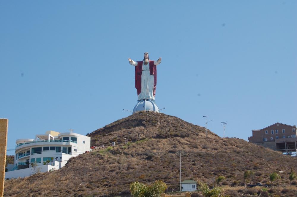 Giant Jesus, Baja Norte